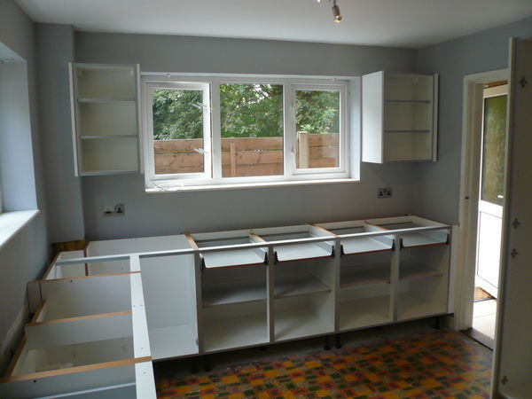 Fitting The Kitchen Units